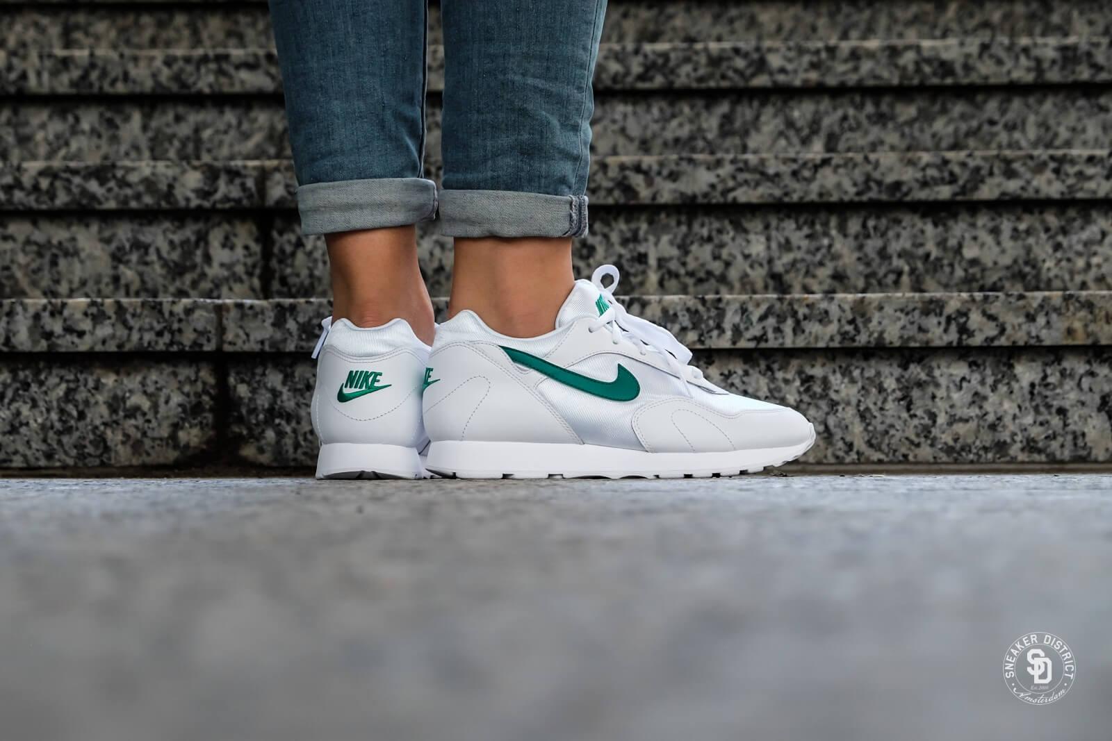 Nike Women's Outburst White/Opal Green