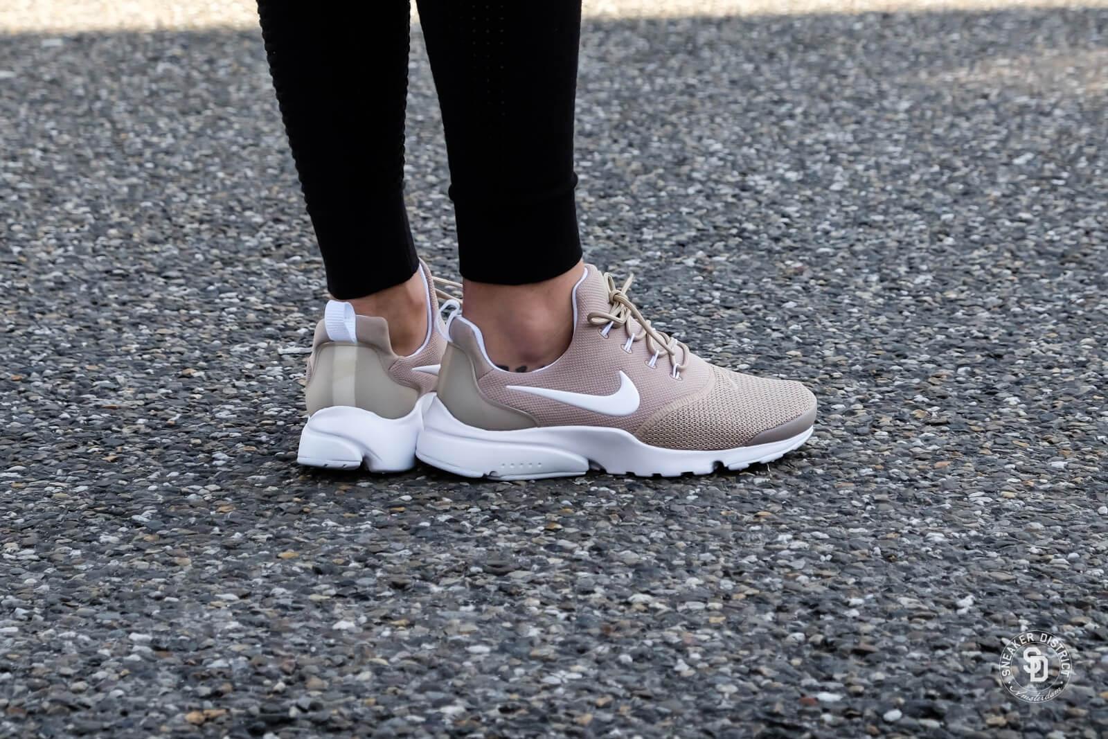 Nike Wmns Presto Fly Sand/ White HX5KFvuoej