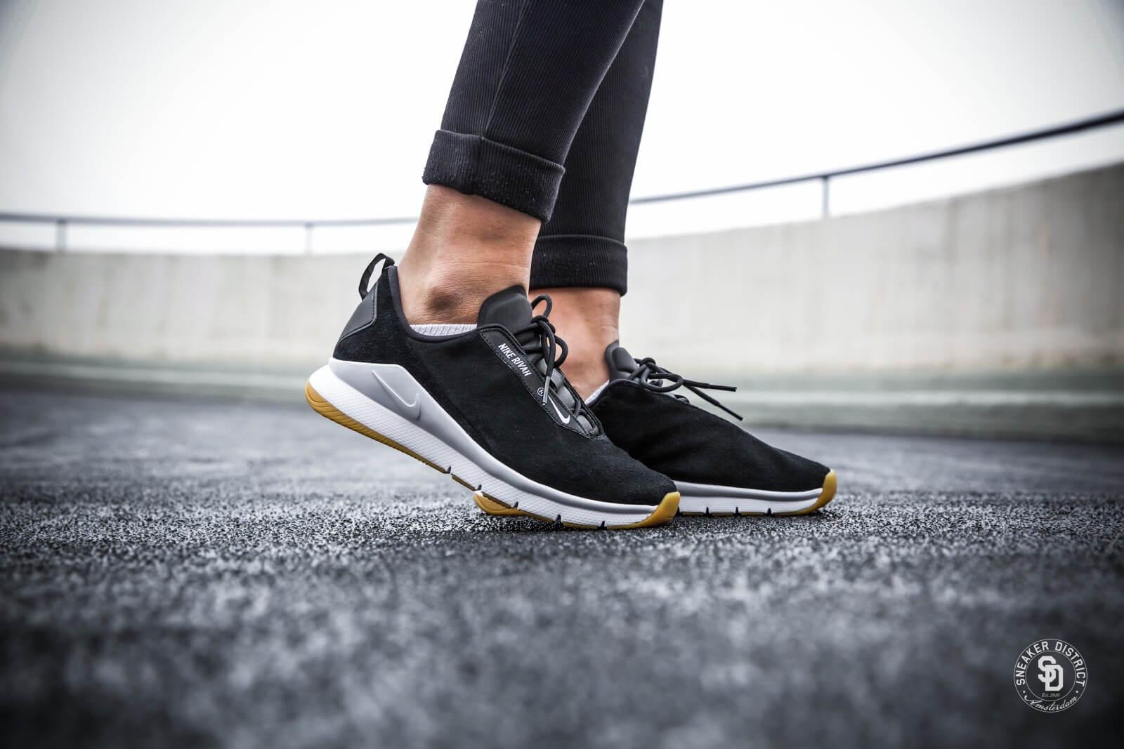 Nike Women's Rivah Premium Black/White