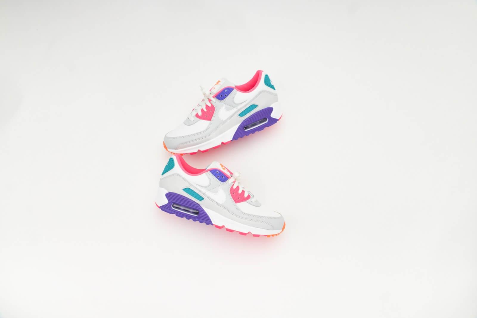 Nike Women's Air Max 90 Photon Dust/Summit White-Hyper Grape