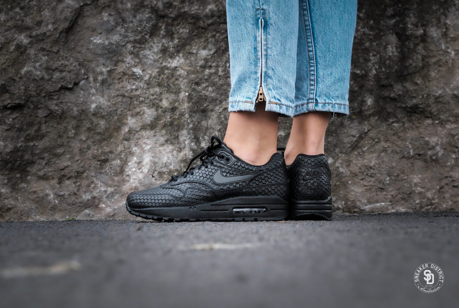 nike air max thea wmns premium black anthracite