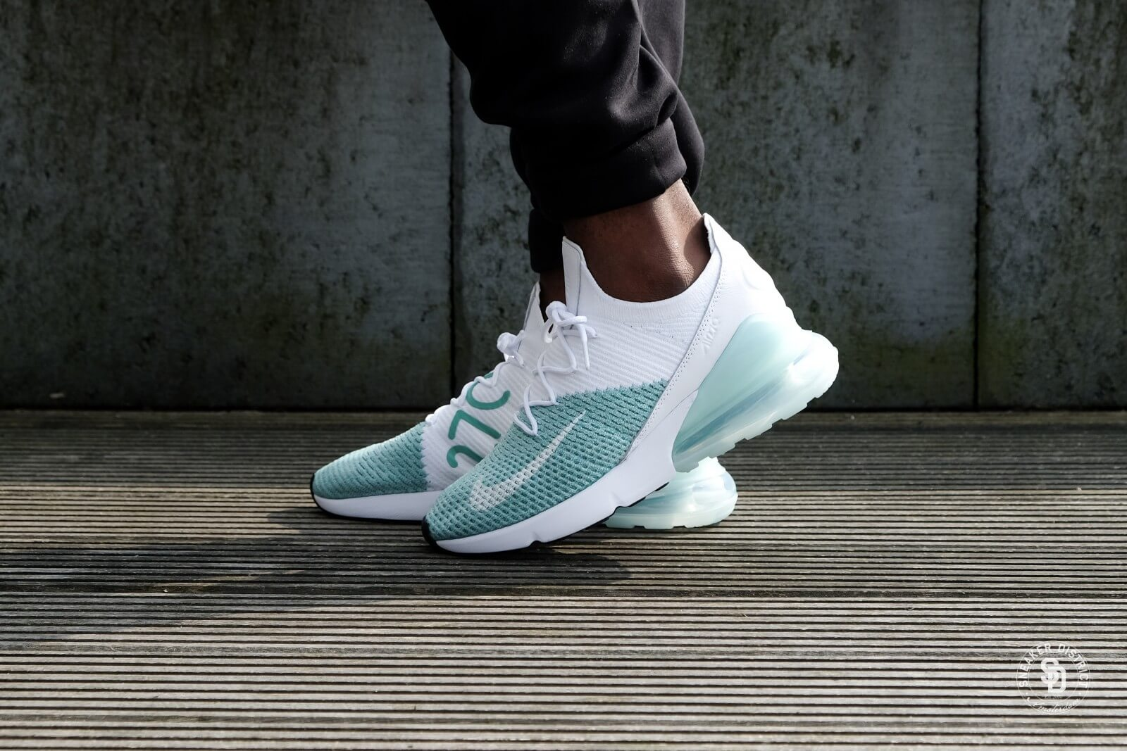online store 97830 ad90d ... purchase nike womens air max 270 flyknit igloo white clear emerald  62ebf 8b69e
