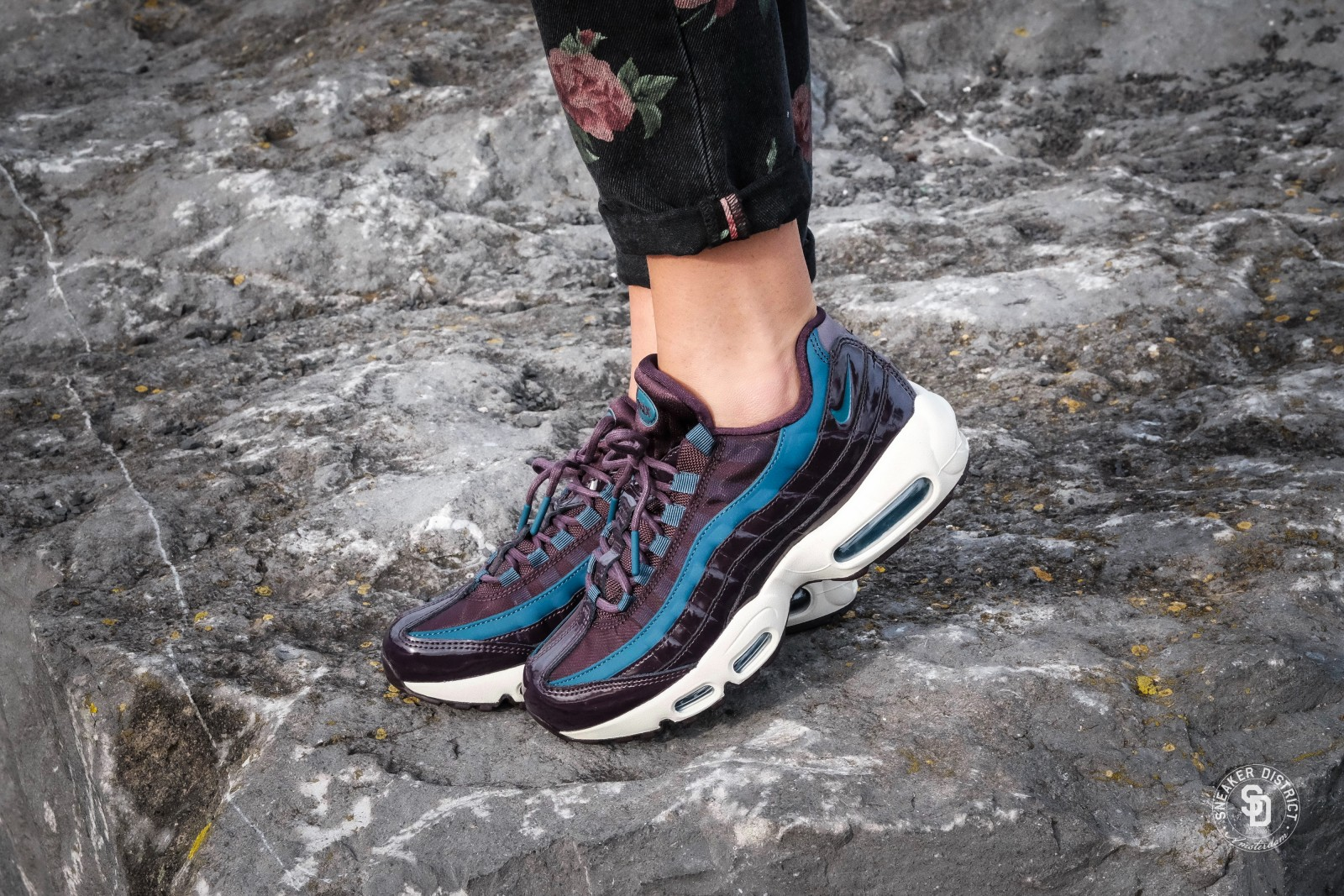 9b0772461460 Previous Next  Nike Womens Air Max 95 Special Edition Premium Port  WineSpecial Blue ...