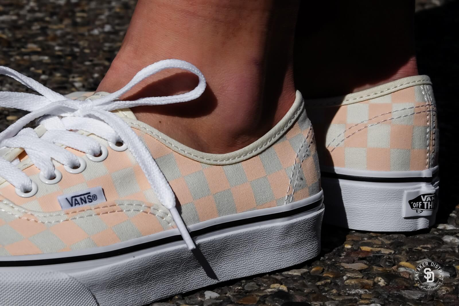 Vans Authentic Checkerboard Apricot Ice