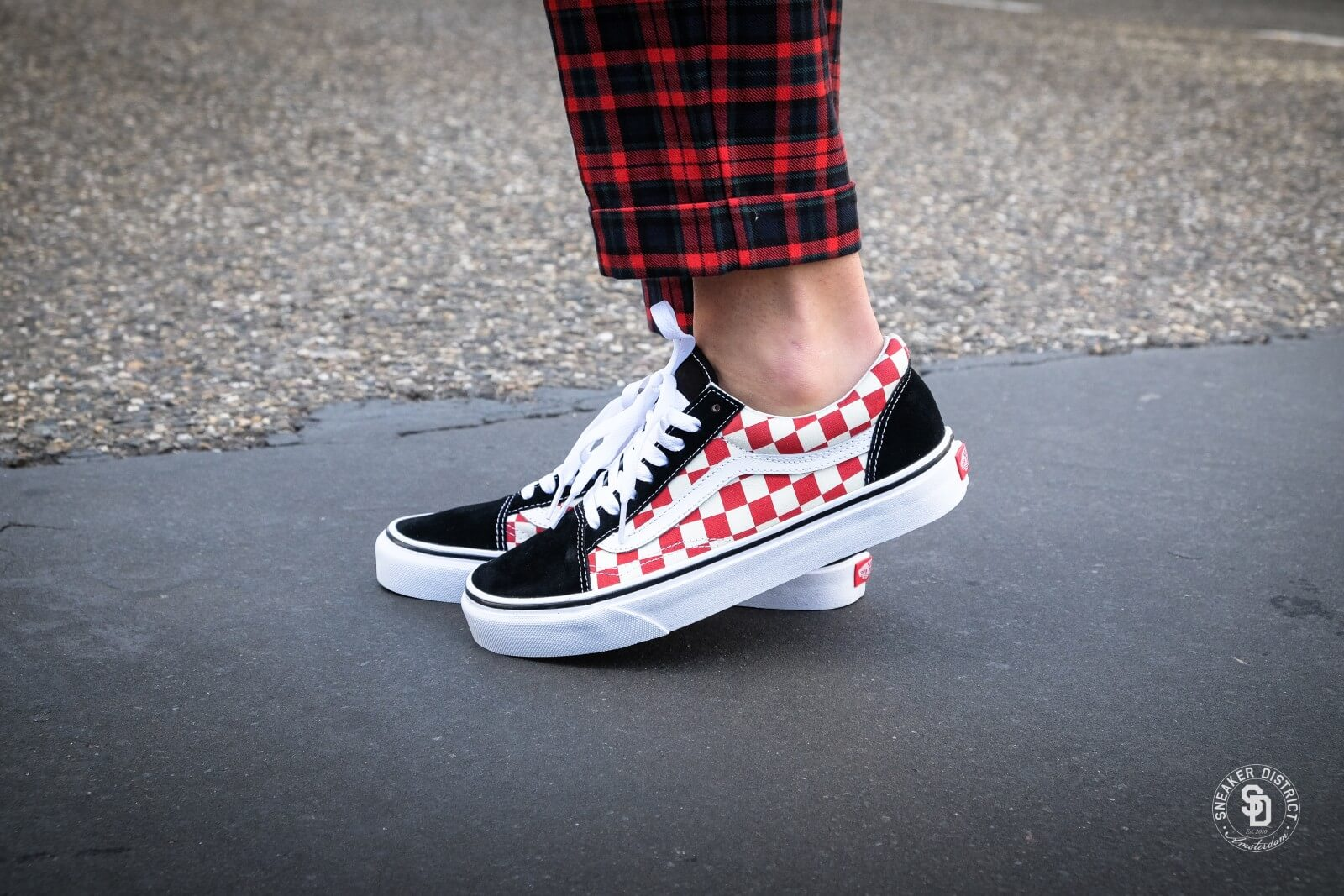 vans old skool rood checkerboard