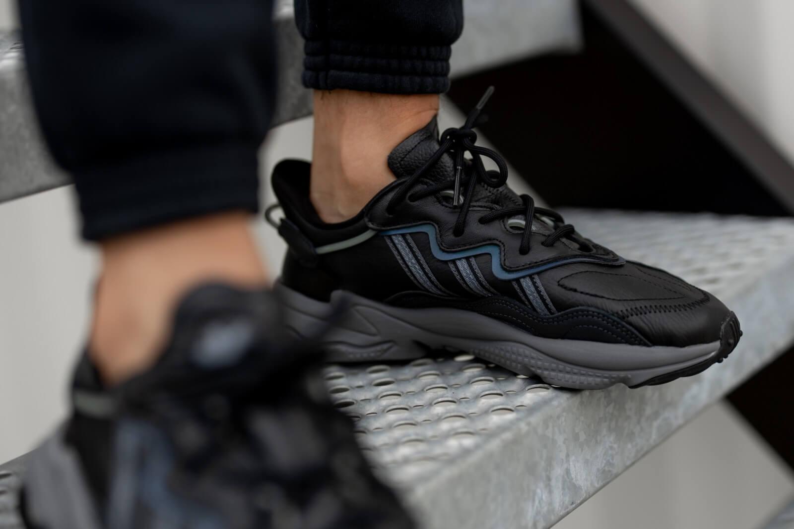 Adidas Ozweego Core Black/Grey Four-Onix