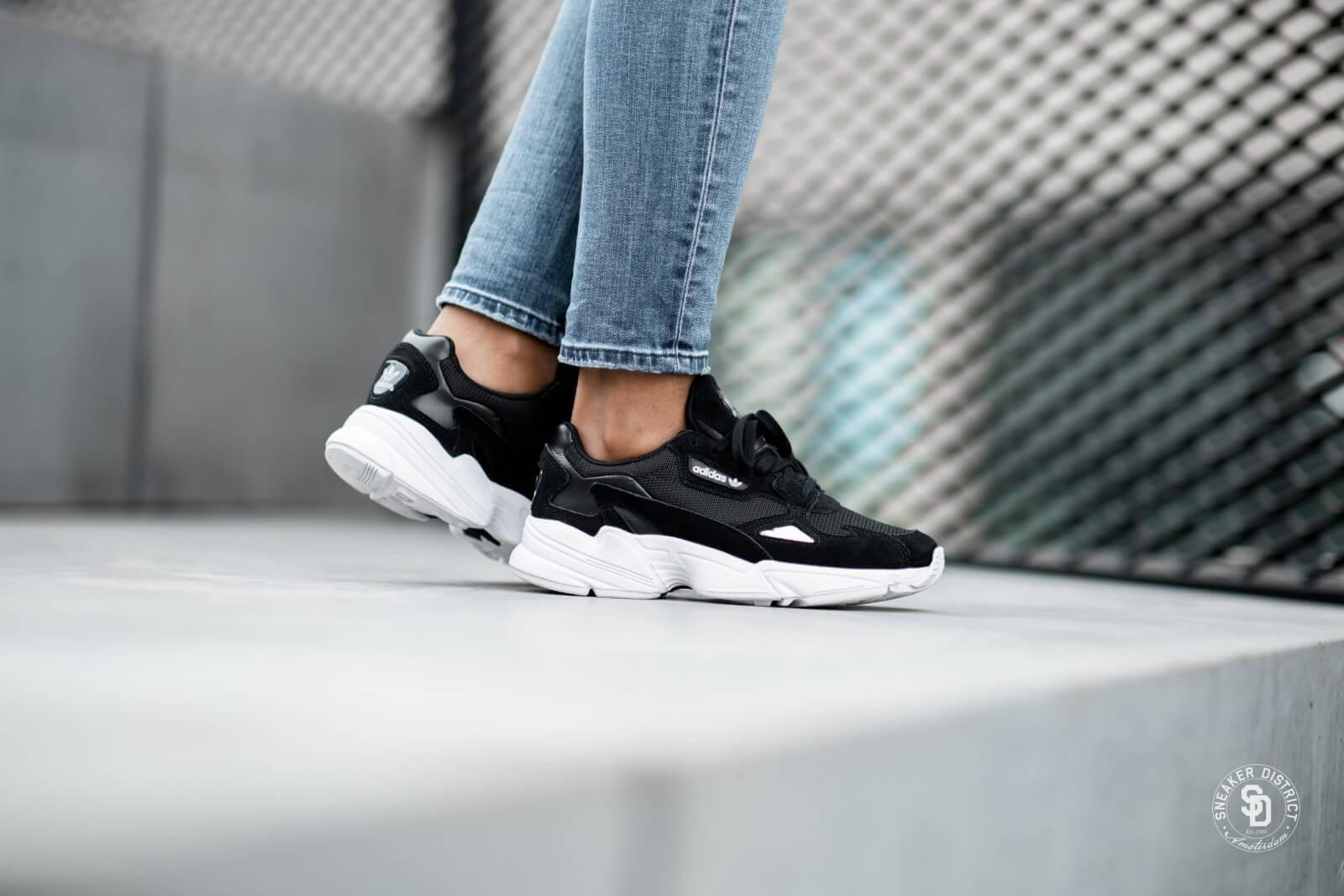 Adidas Women's Falcon Black/White - B28129