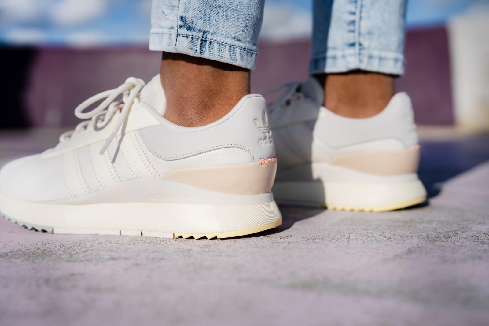 Adidas Women's SL Andridge Running White/Linen