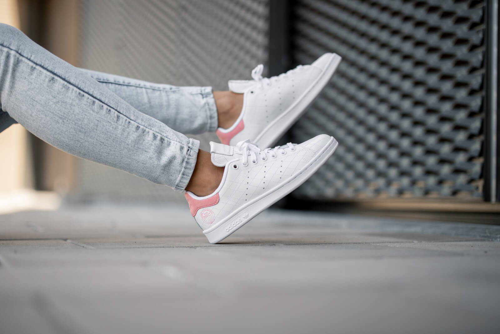 Adidas Women's Stan Smith Footwear White/Glow Pink