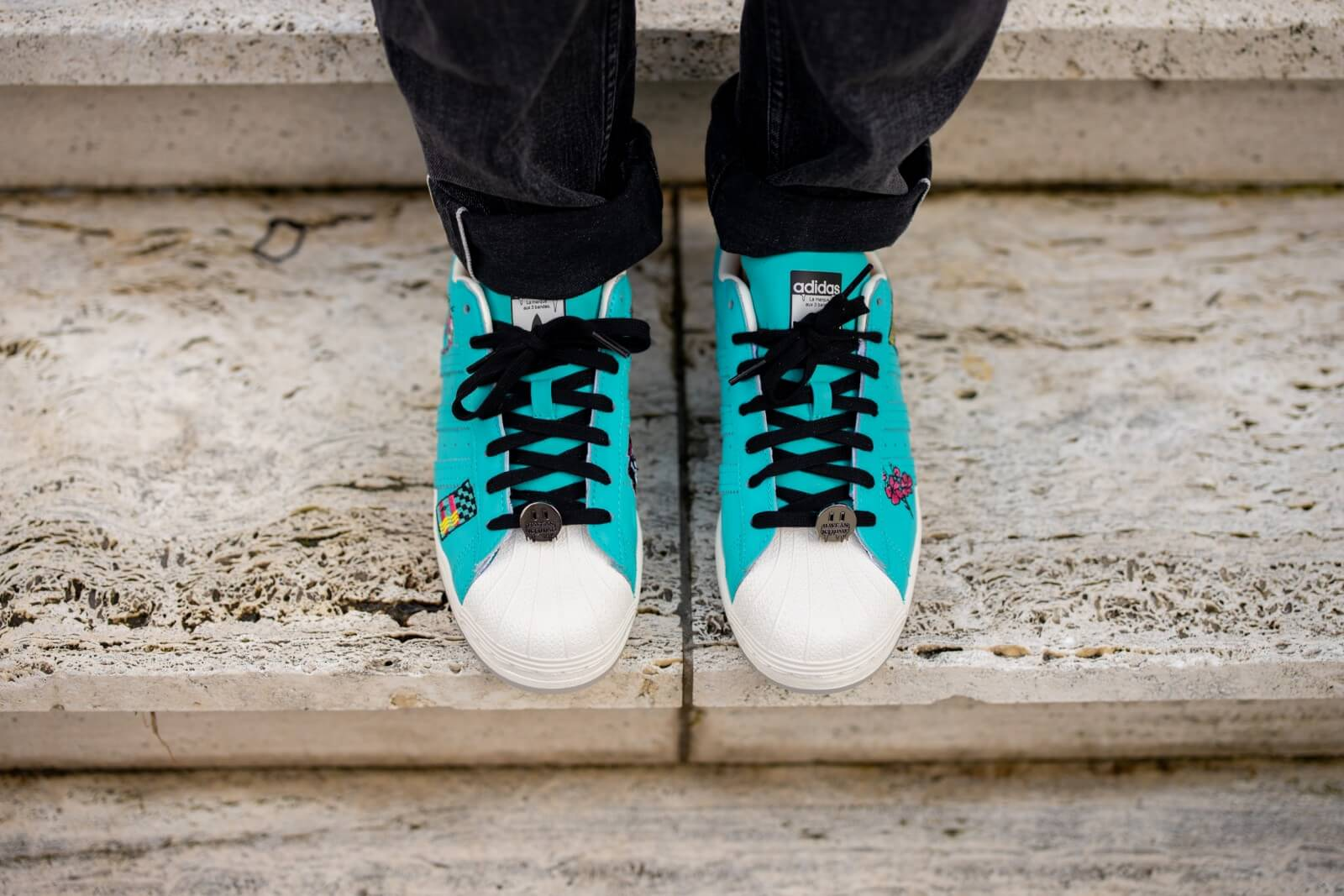ARIZONA X SUPERSTAR 'HAVE AN ICED DAY - TEAL YELLOW'