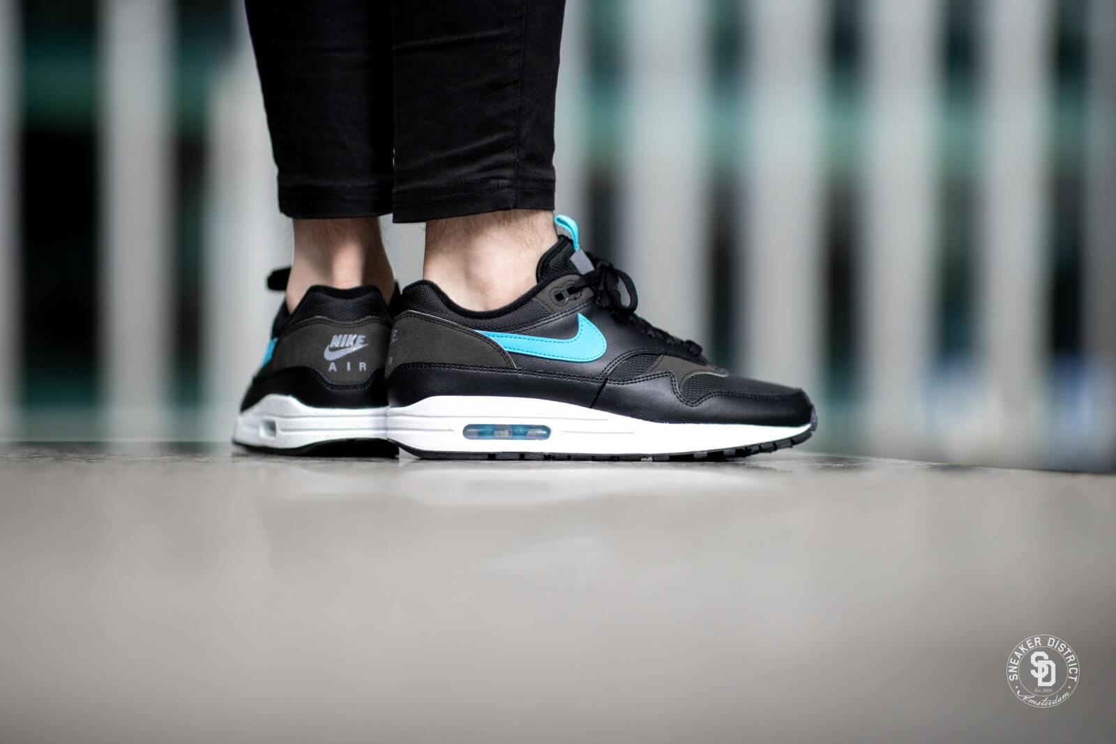 Nike Air Max 1 SE Black/Blue Fury