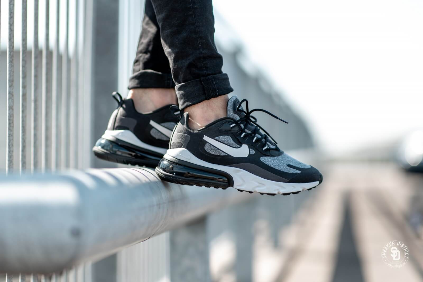 Nike Air Max 270 React BlackVast Grey Off Noir AO4971 001