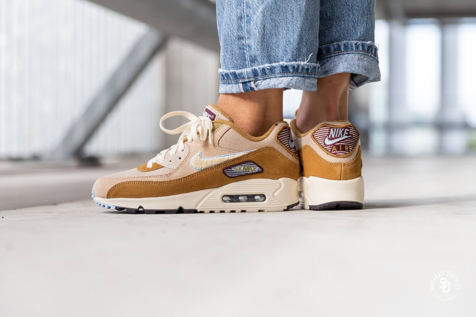 hot sale online 05c73 03a65 ... get nike air max 90 premium se muted bronze light cream royal tint  07213 ae623