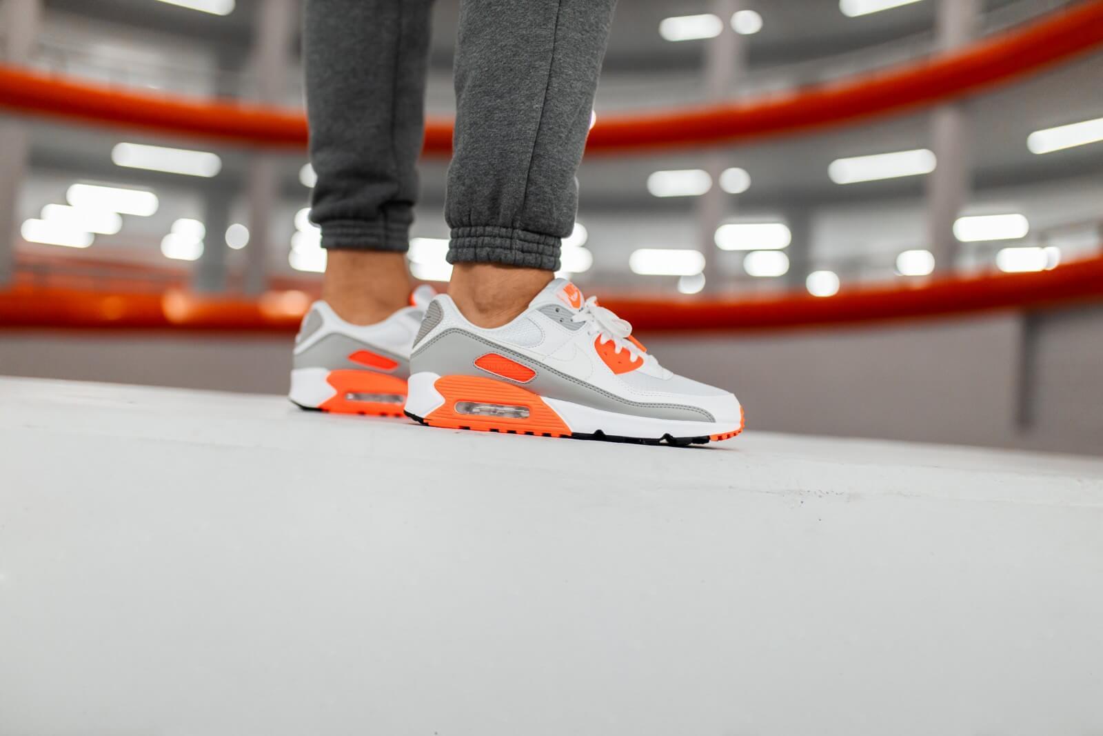 Nike Air Max 90 White/Hyper Orange-It