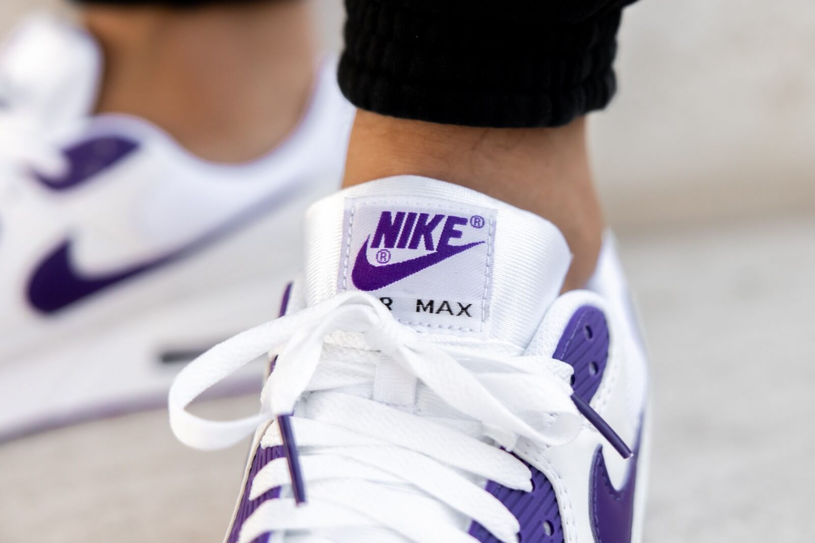 Tía laberinto ordenar  Nike Air Max 90 White/Voltage Purple-Black - CT1028-100
