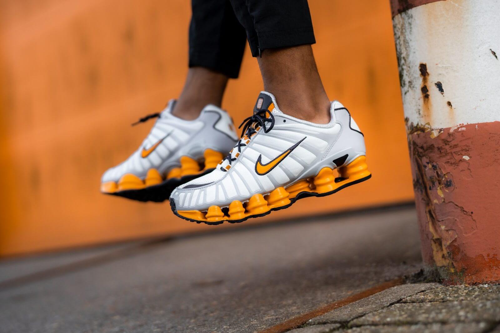 Nike Shox TL Off White/Orange Peel