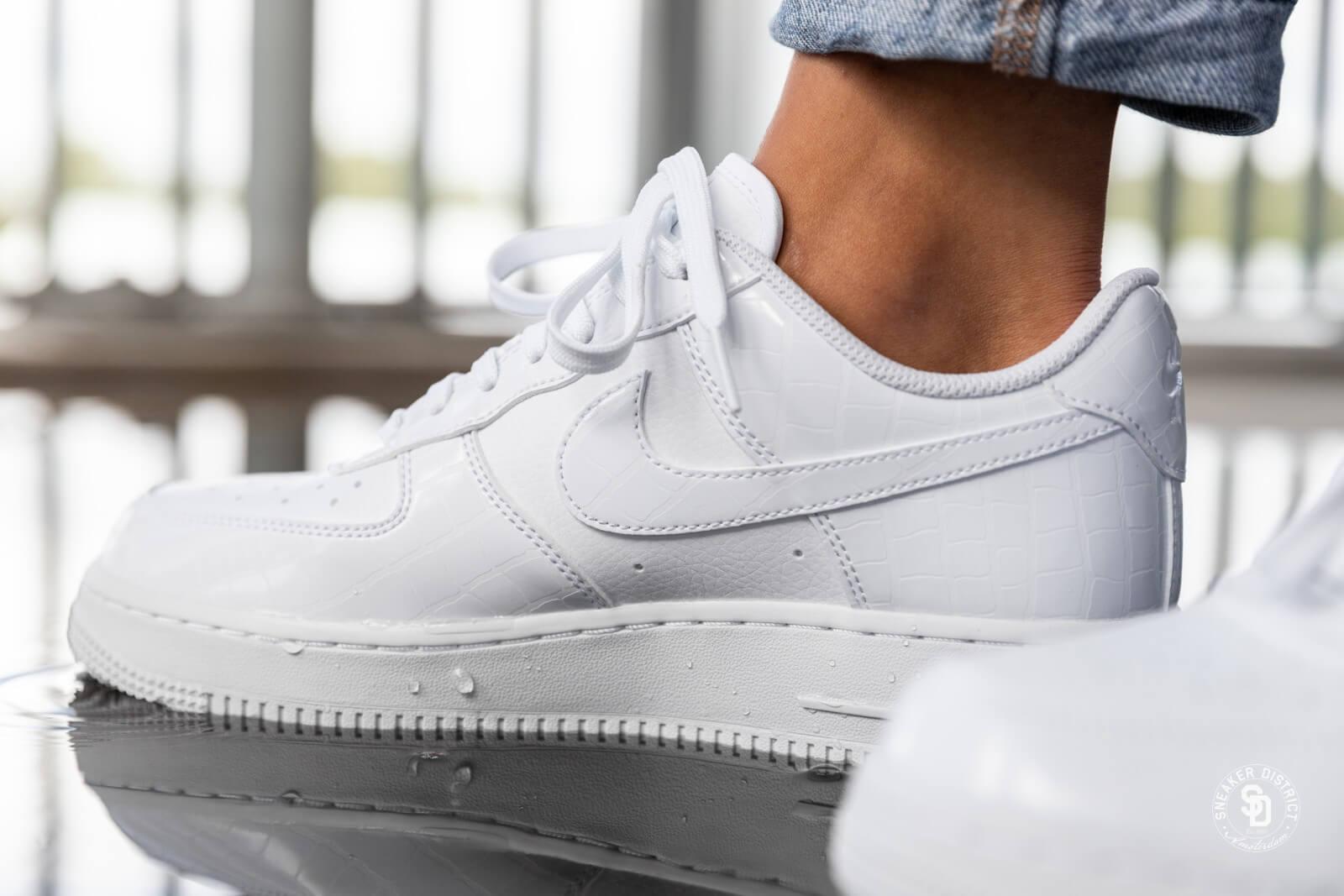 Nike Women S Air Force 1 07 Ess White White Ao2132 100