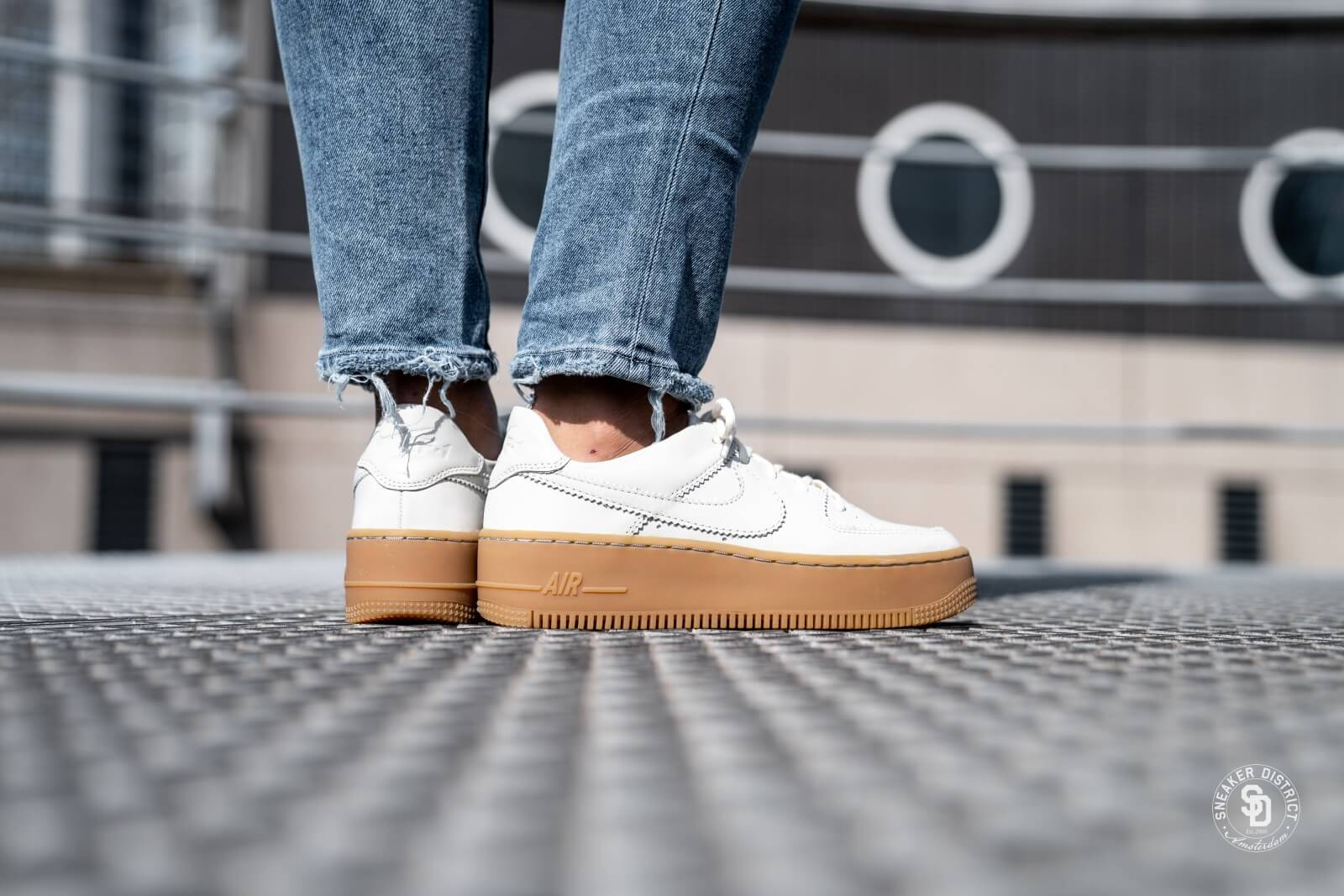 Nike Wmns Air Force 1 Sage Low | Wit | Sneakers | AR5339 100