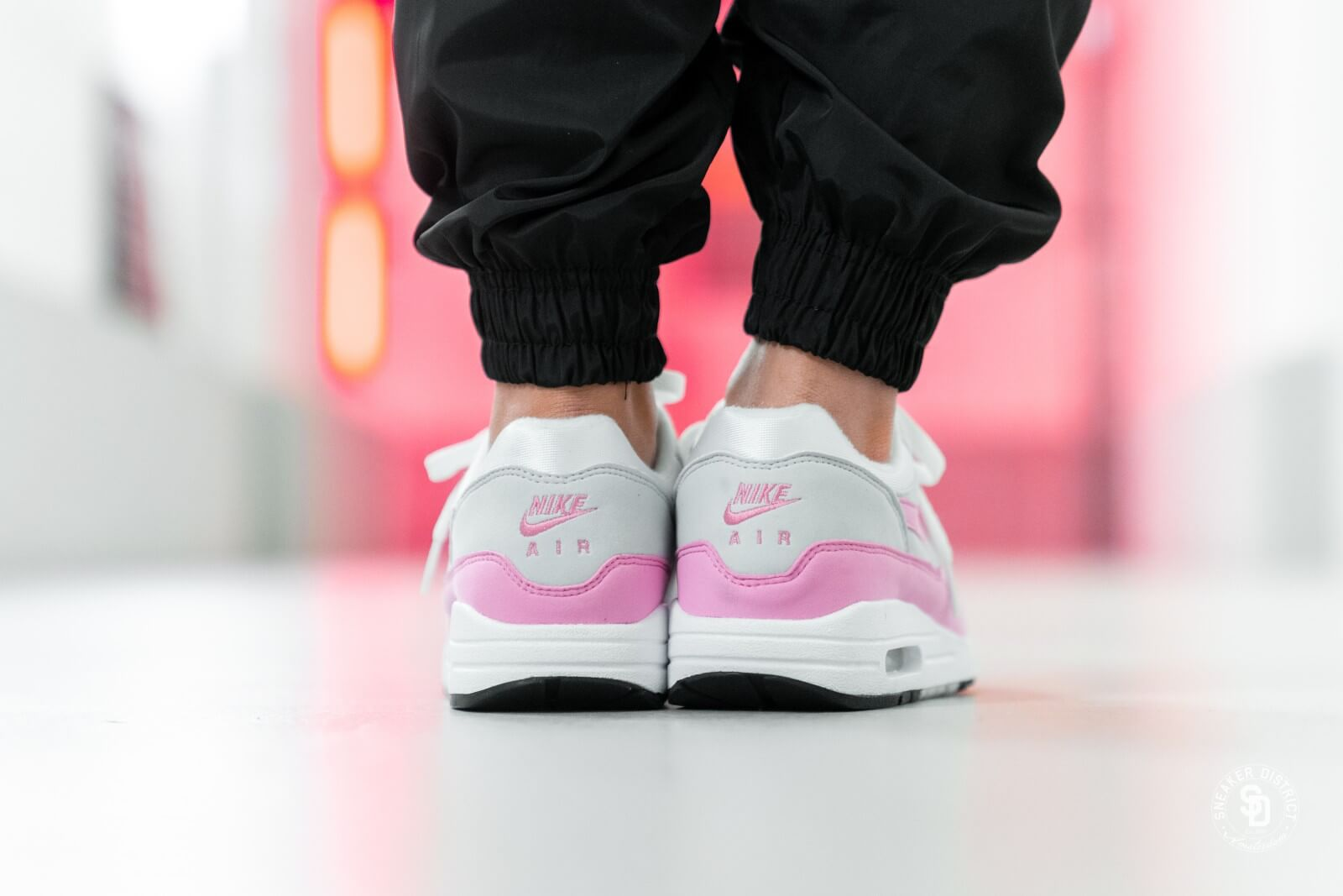 Air Max 1 Essential White/Psychic Pink