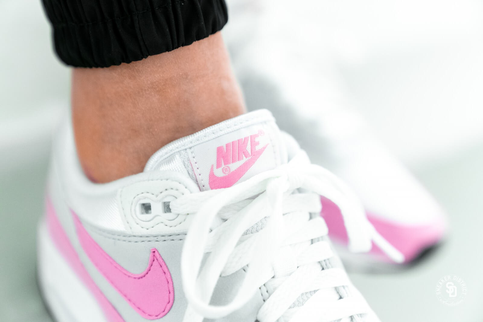 Nike Women's Air Max 1 Essential White/Psychic Pink