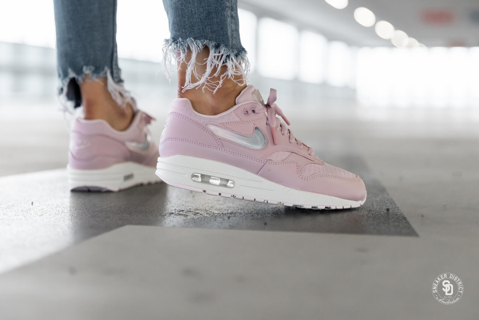 nike wmns air max 1 grey club purple pink