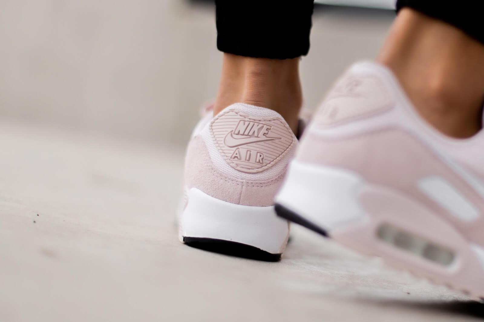 Nike Women's Air Max 90 Barely Rose/White-Black