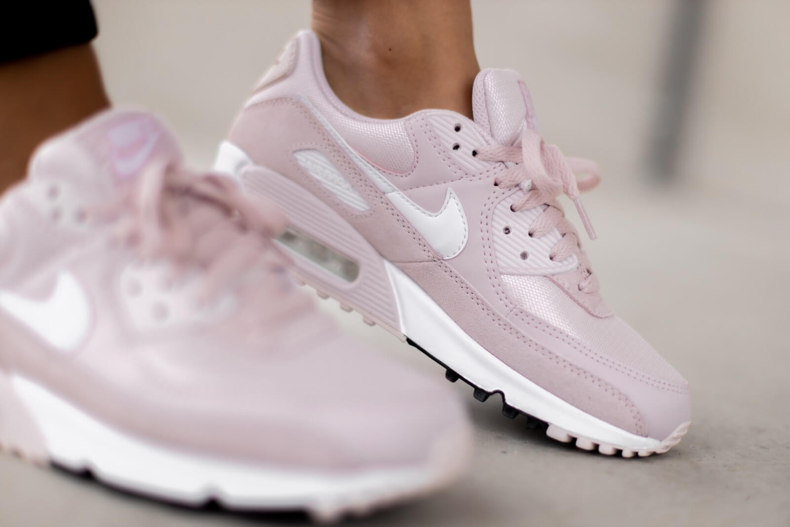 air max barely rose