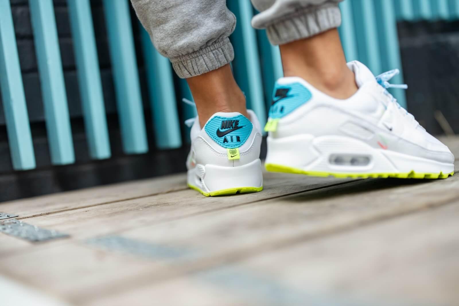 Nike Women's Air Max 90 SE Worldwide Pack White/Blue Fury-Volt