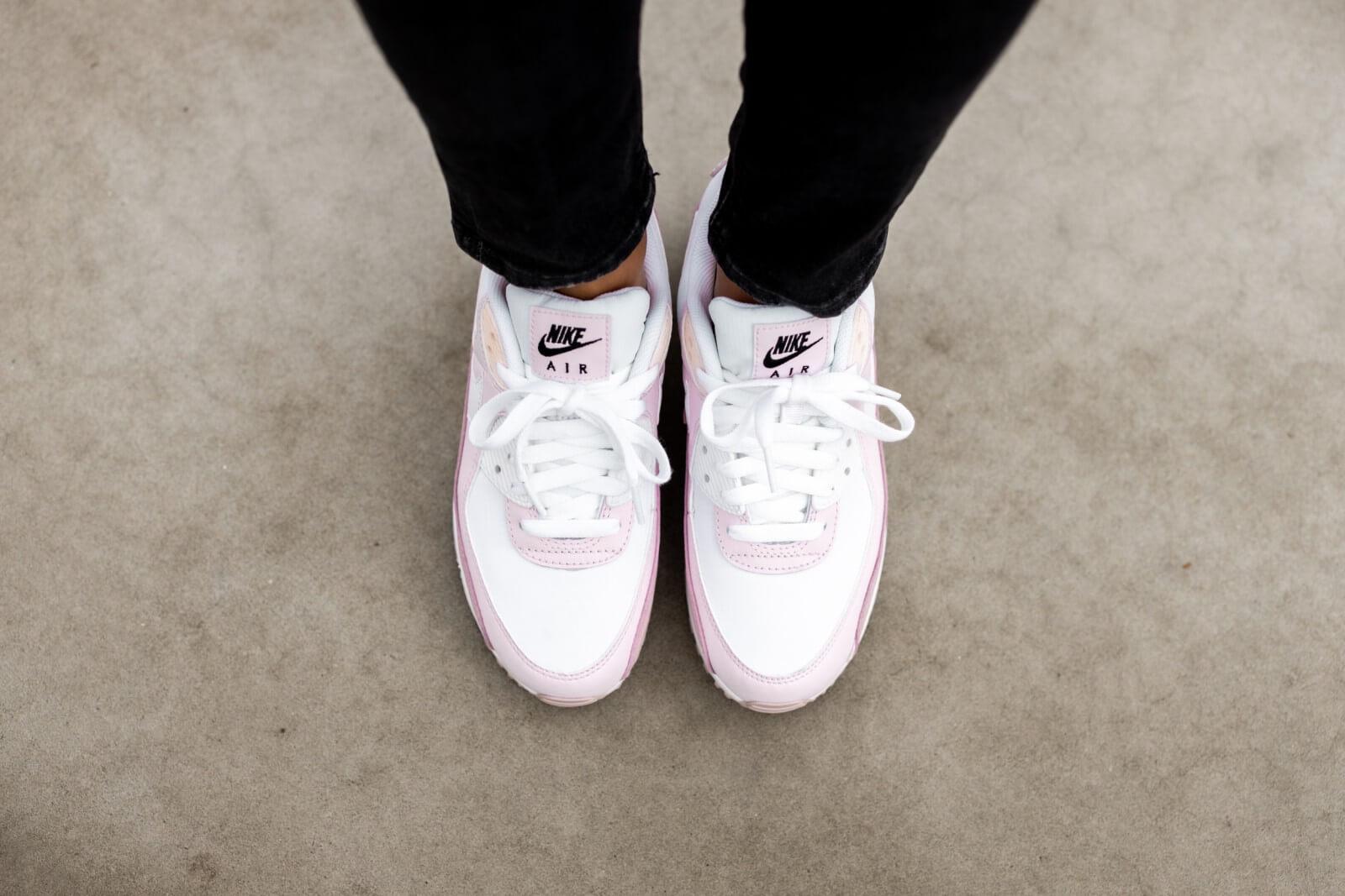 Nike Women's Air Max 90 White/Champagne-Light Violet