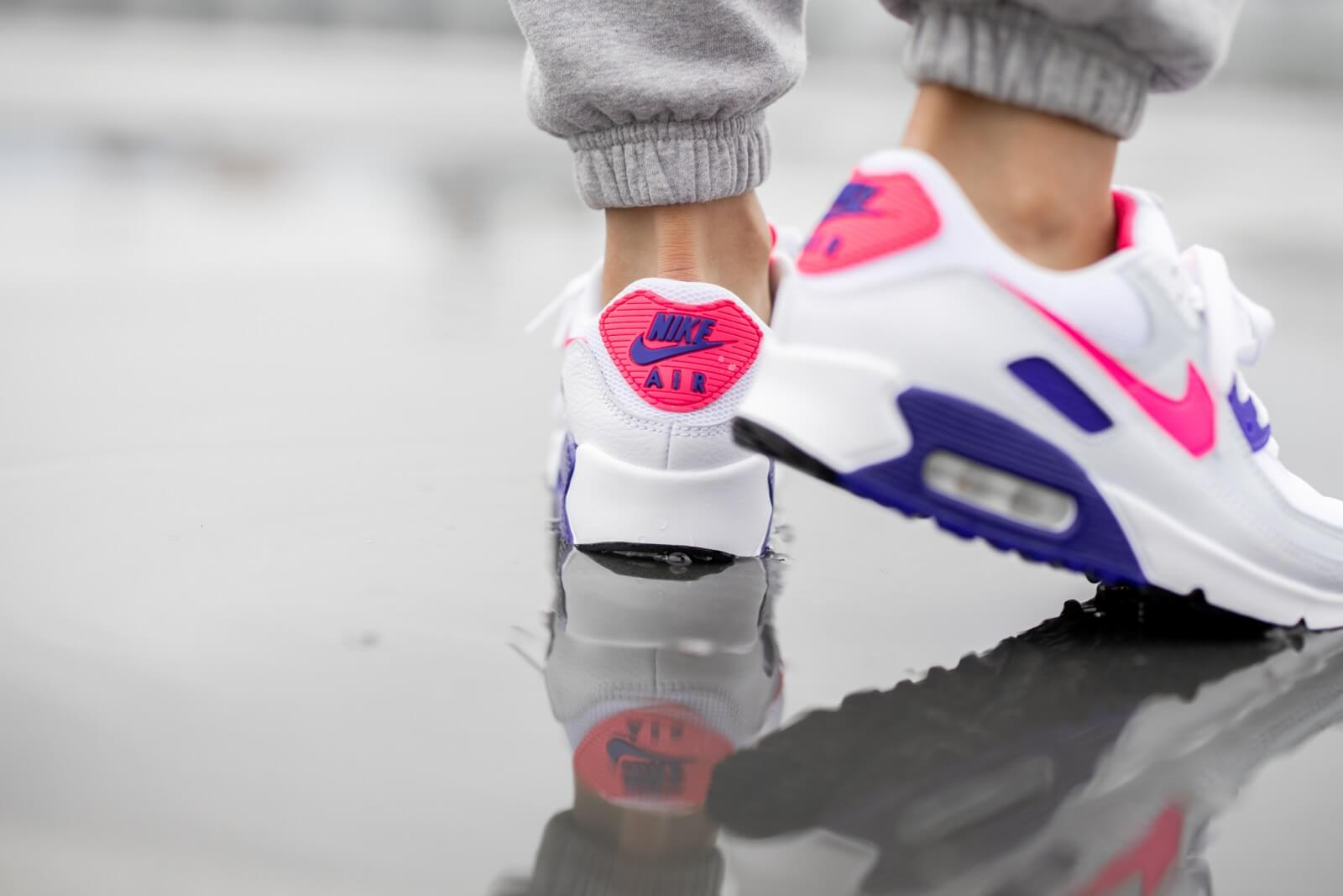 Nike Women's Air Max 90 White/Hyper Pink-Concord-Pure Platinum