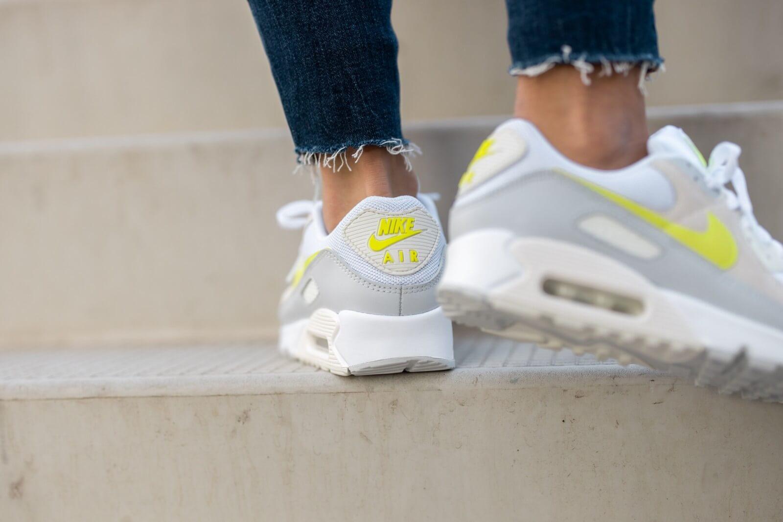 Nike Women's Air Max 90 White/Lemon Venom-Pure Platinum