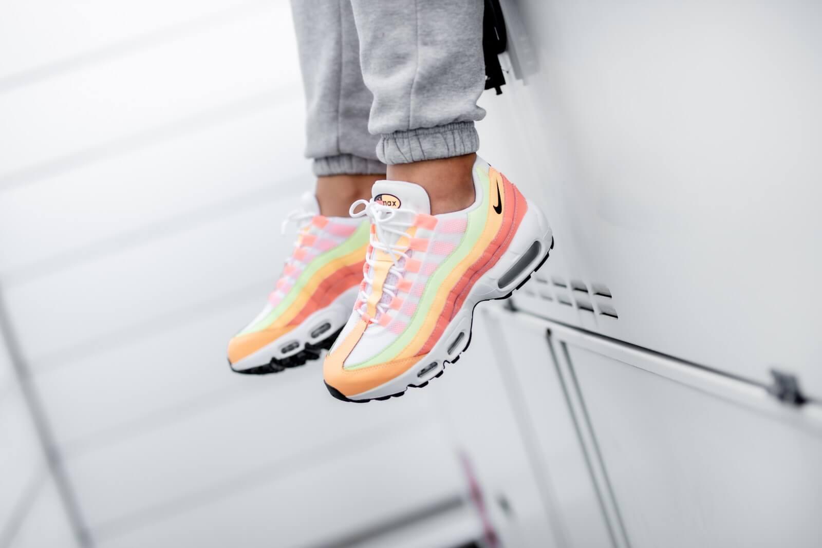 Nike Women's Air Max 95 Atomic Pink