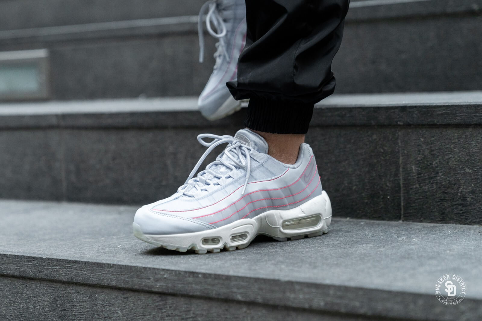 Aturdir Ahuyentar gas  Nike Women's Air Max 95 SE Half Blue/Summit White - 918413-400