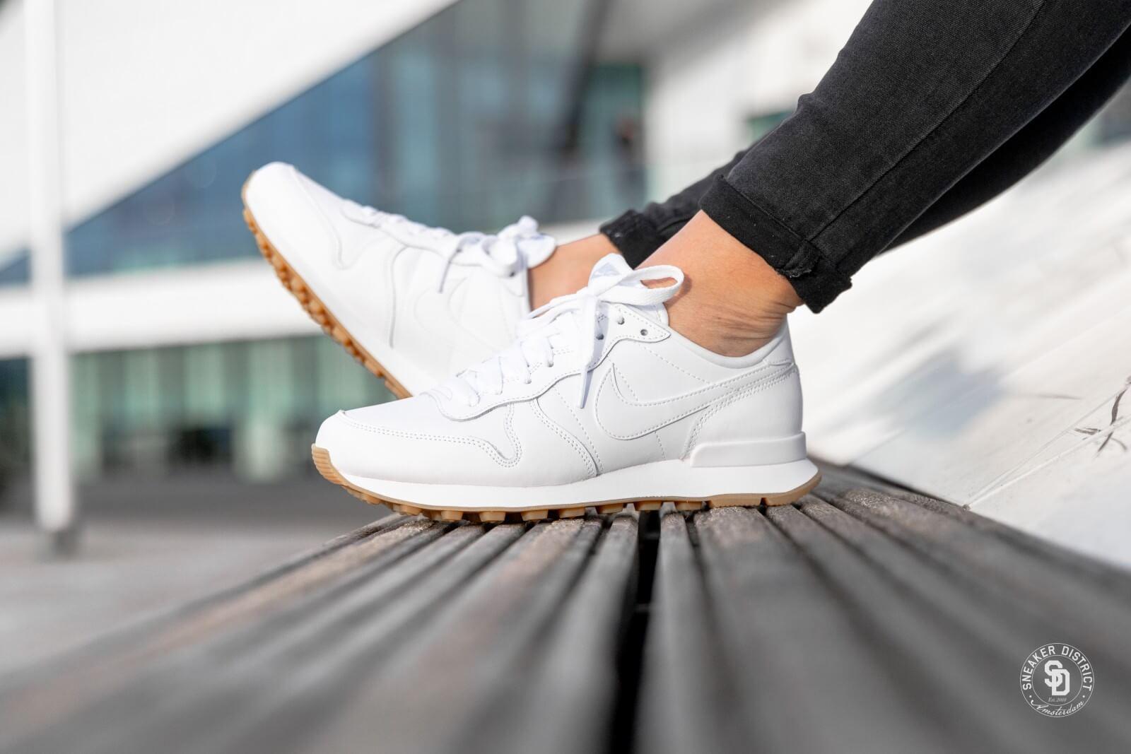 táctica Resplandor Ru  Nike Women's Internationalist White/White-Gum Light Brown - 828407-103