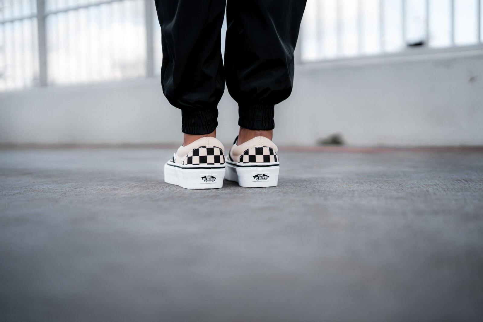 salir el último brazo  Vans Classic Slip-On Platform Checkerboard Black/White - VN00018EBWW1