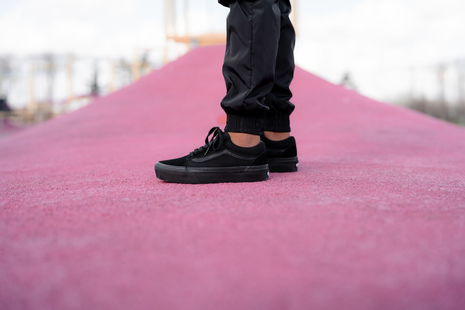 vans all black platform
