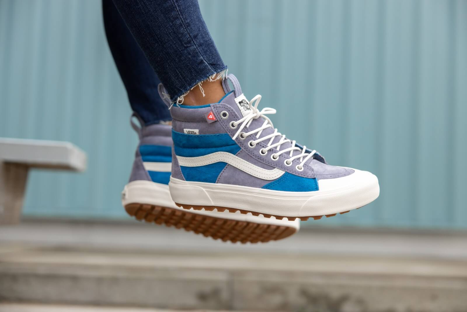 A picture of Sk8-Hi MTE 2.0 DX Blue Block/Marshmallow